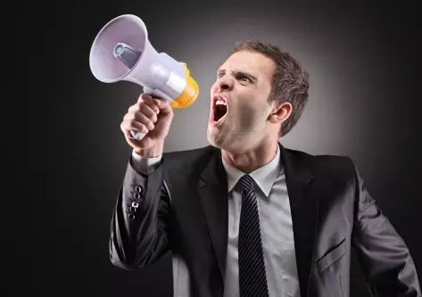 大嗓门暗示听力衰退?真相竟然是这样的